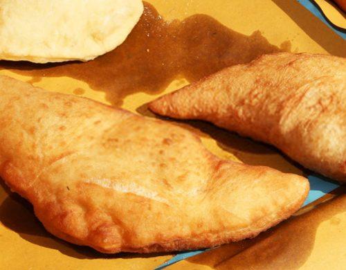 Prodotti tipici pugliesi panzerotto fritto