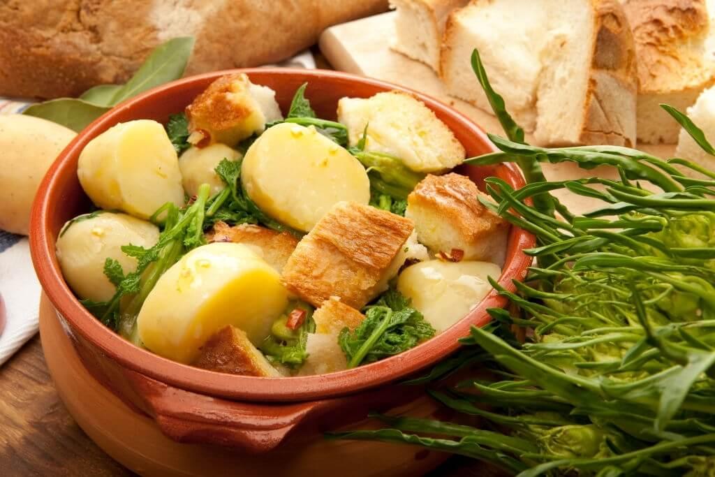 Pancotto pugliese: pasto semplice e povero delle tradizioni culinarie contadine
